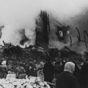 После очередного артобстрела 1942-го года <br />© Из фондов музея Истории Ленинграда./ Репродукция Фотохроники ТАСС