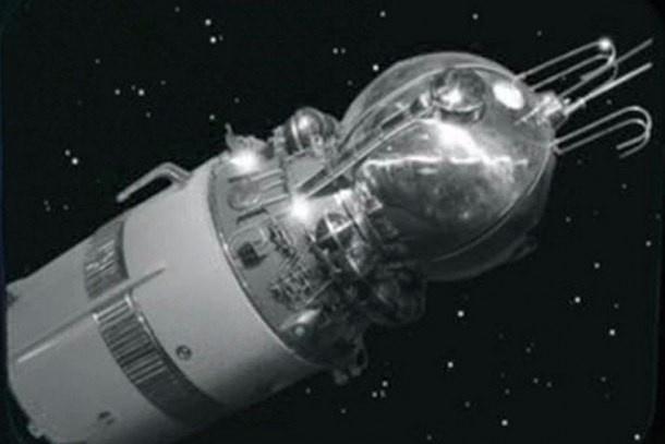 #Первоуральск #Билимбай #Денькосмонавтики Сегодня 12.04.2016г. в Билимбае представят полномасштабный макет головной части легендарного космического корабля «Восток-1». Конструкция будет выставлена на обозрение зрителей, во время торжественного митинга, посвященного Дню космонавтики. Спасательная капсула, тормозной двигатель, с хорошей детализацией навесного оборудования и элементов конструкции признана экспертами уникальным макетом.