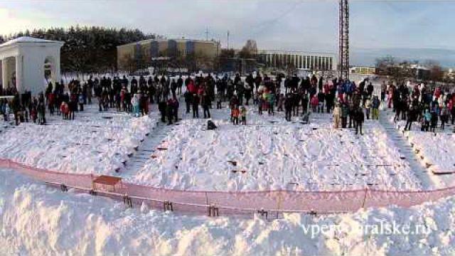 """Первоуральск ледовые авто гонки """"Трек-400"""" 9 января 2016 HD"""